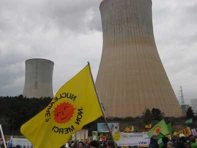 Manifestation anti-nucléaire à la centrale de Tihange, ce dimanche 15 mars 2015