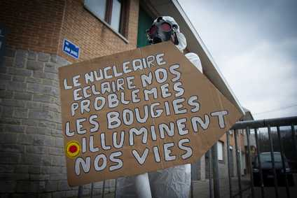 nucleaire_et_bougie.jpg