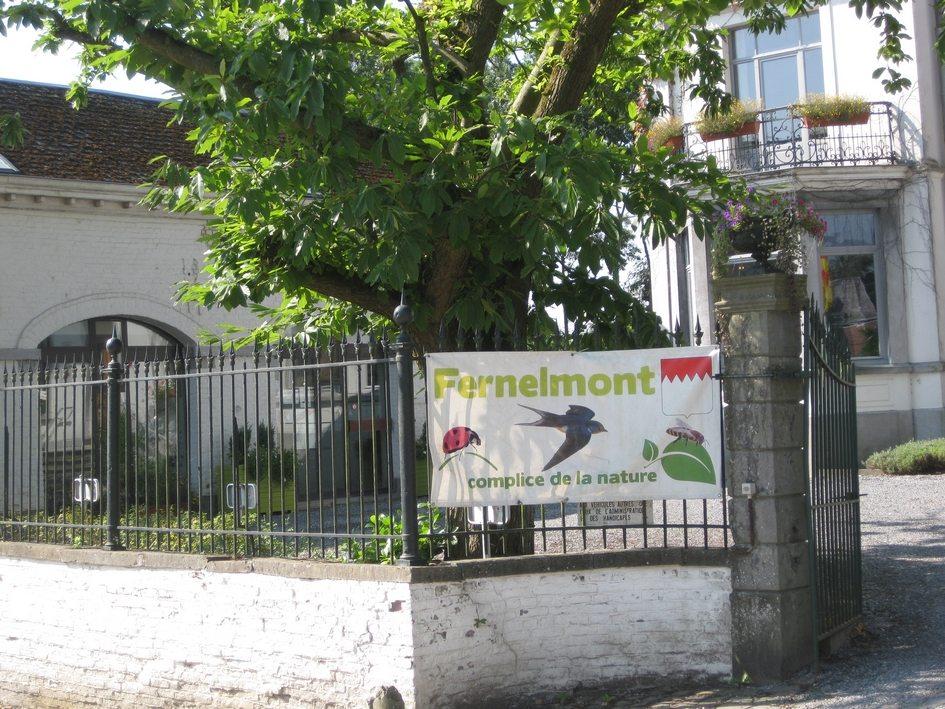 Grilles_maison_communale_Fernelmont.jpg